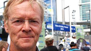 Ari Vatanen lähikuvassa.