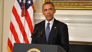 Yhdysvaltojen presidentti Barack Obama puhumassa tiedotustilaisuudessa Irakin tilanteesta Valkoisessa talossa 7. elokuuta 2013.