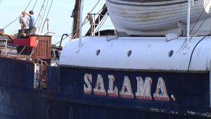 Salama-laiva korjauksessa
