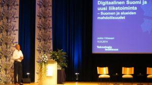 Teknologiateollisus ry:n Jukka Viitasaari Saima Summit ICT:Ssä.