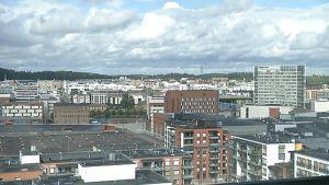 Jyväskylän keskustan kerrostalonäkymää.