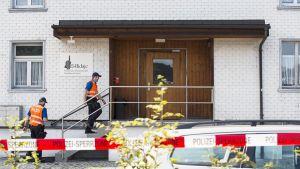 Ampumatapauksen vuoksi eristetty moskeija St. Gallen-Winkelnissa, Sveitsissä, 22. elokuuta.