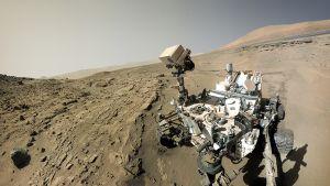 Curiosity Marsin pinnalla.