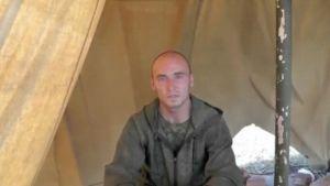 Venäläinen sotilas teltassa.