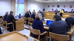 Patrian lahjusjutun oikeudenkäynti Hämeenlinnassa Kanta-Hämeen käräjäoikeudessa
