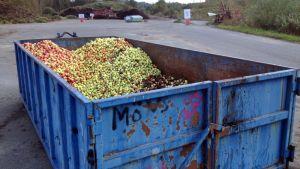 Omenia Toikansuon jäteasemalla