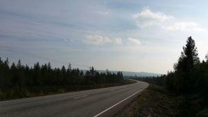 Islannin tulivuoren purkauksen aiheuttama rikkidioksidipilvi näkyy autereena Kainuun ja Koillismaan rajalla.