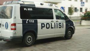 Poliisiauto Tornion Rajalla-alueella.