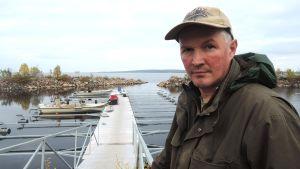 Lokkalainen kalastaja Risto Pyhäjärvi