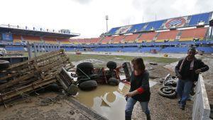 Rajuilmat ovat aiheuttaneet tuhoa Montpellierin Stade de la Mosson -stadionilla.