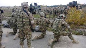 1. ratsuväkidivisioonan komppania Yhdysvalloista on sijoitettu Viroon kolmeksi kuukaudeksi. Joukot esittelivät kalustoaan ja toimintaansa Tapan kaupungin vanhalla lentokentällä.