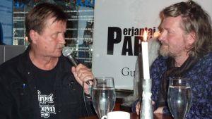 Jake Nyman ja Johannes Ojansuu Birger pubissa.