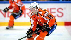 HPK:n hyökkäjä Juhani Jasu
