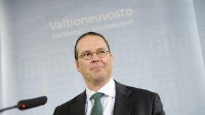 Ruotsin valtiovarainministeri Anders Borg tiedotustilaisuudessa  25. tammikuuta 2011.