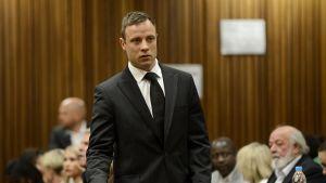Oscar Pistorius oikeussalissa.