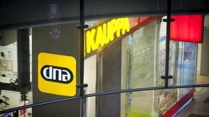 DNA Kauppa Helsingissä 18. heinäkuuta 2014.