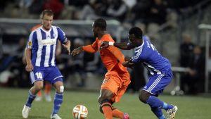 Jatkaako Gideon Baah (keskellä) hyviä otteitaan myös Torinoa vastaan?