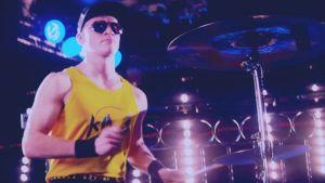 Riku Nieminen K!ngin Another Lover -videolla.