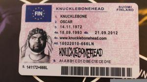 Knucklebonehead ajokortti