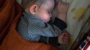 Nukkuva pikkulapsi
