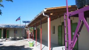 Kirkon Ulkomaanavun rakentama ekokoulu Haitissa.