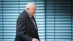 Mihail Gorbatšov osallistui Berliinissä järjestettyyn symposiumiin 8. marraskuuta.