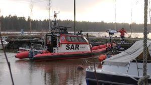 Vaasan Meripelastusyhdistyksen Wärtsilä Rescue-alus satamassa.