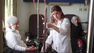 Potilaalle annetaan syöpähoitoa sairaalassa Syyriassa.