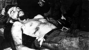 Ernesto Che Guevara kuolleena