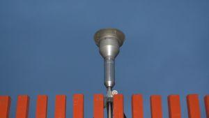 Hiukkaskeräin mittausaseman katolla.