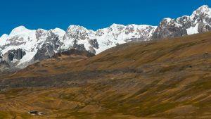 Andien lumihuiput Perussa.