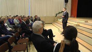 Pääministeri Alexander Stubb Kittilän koulussa