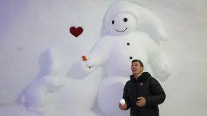 Lumiukkomaailman yrittäjä Petri Palkinen