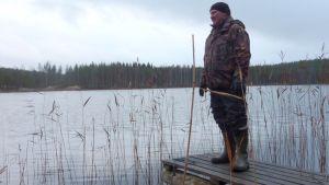 Risto Eronen osallistui apukinosten kolaamiseen 2014 keväällä.