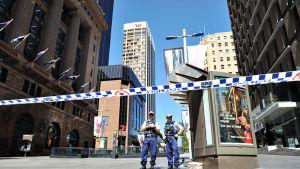 Poliisi on eristänyt Sydneyn miljoonakaupungin ydinkeskustasta parin korttelin alueen.