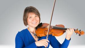laulaja, viulisti Sanna Mansikkaniemi