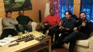Kouvosto Bluesfestissä esiintymässä ovat muun muassa tapahtuman isä Timo Heikkilä (vasemmassa laidassa), Lester Jordan, Willie Buck, Rockin' Johnny ja Gerry Hundt