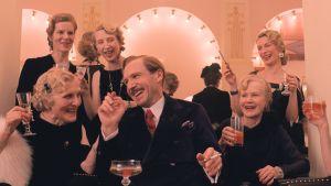 """Lehdistökuva elokuvasta """"The Grand Budapest Hotel""""."""