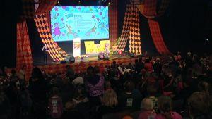 Mimi ja Kuku ovat lastenfestivaalien perusesiintyjiä.