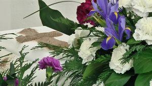 Kukkia arkulla