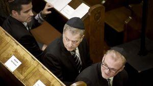 Tasavallan presidentti Sauli Niinistö Vainojen uhrien muistopäivän päätilaisuudessa Helsingin synagogassa 27. tammikuuta.