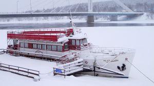 m/s Lumikki talvehtii kemijokirannassa Rovaniemellä