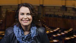 Lapin kansanedustaja Johanna Ojala-Niemelä eduskunnan lehterillä