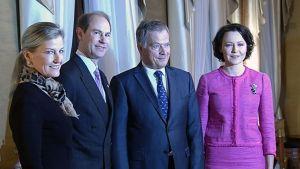 Prinssi Edward, kreivitär Sophie, Sauli Niinistö ja Jenni Haukio.