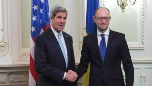 John Kerry ja Arseni Jatsenjuk.