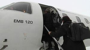 Savonlinna lentoasema lentokone lentokenttä potkurikone kenttäpalvelut matkustaja
