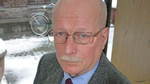 Venäjän tutkimuksen professori Timo Vihavainen.