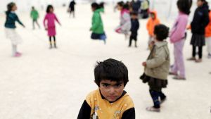 Lapset leikkivät Sanliurfassa sijaitsevalla pakolaisleirillä Turkissa 30. tammikuuta.