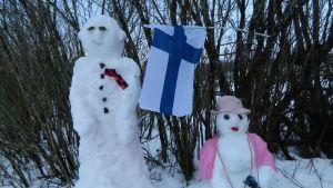 Muurikkalassa lumesta taiteiltiin presidentti Urho Kekkonen ja rouva Sylvi Kekkonen