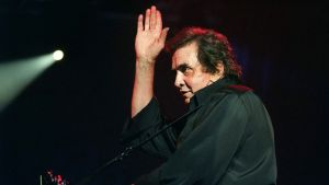 Muusikko Johnny Cash esiintymässä Montreuxissa, Sveitsissä, heinäkuussa 1994.